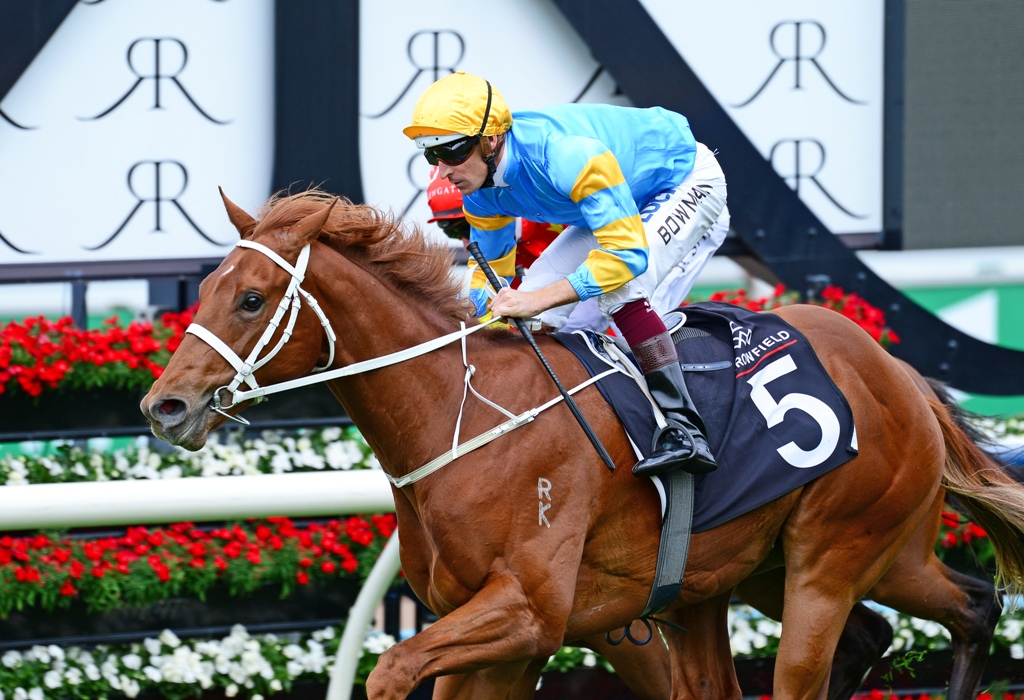 Performer wins the Breeder's Plate at Randwick.