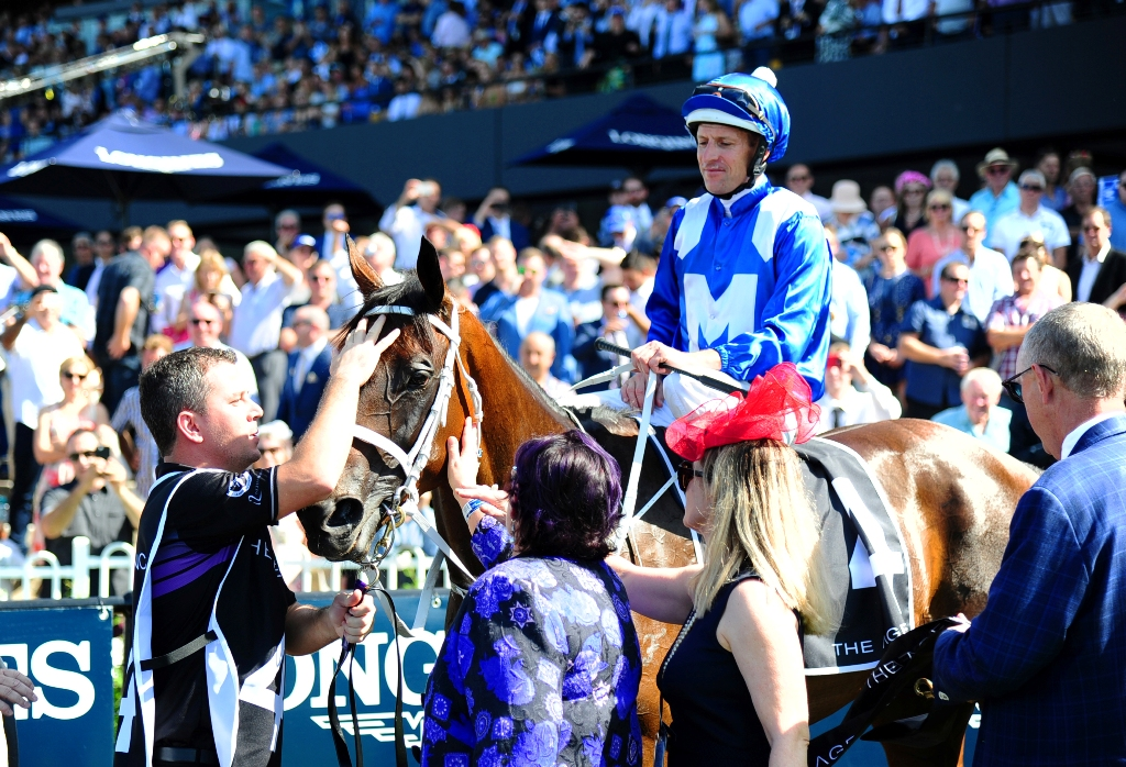 The crows cheers Winx as she returns to scale.