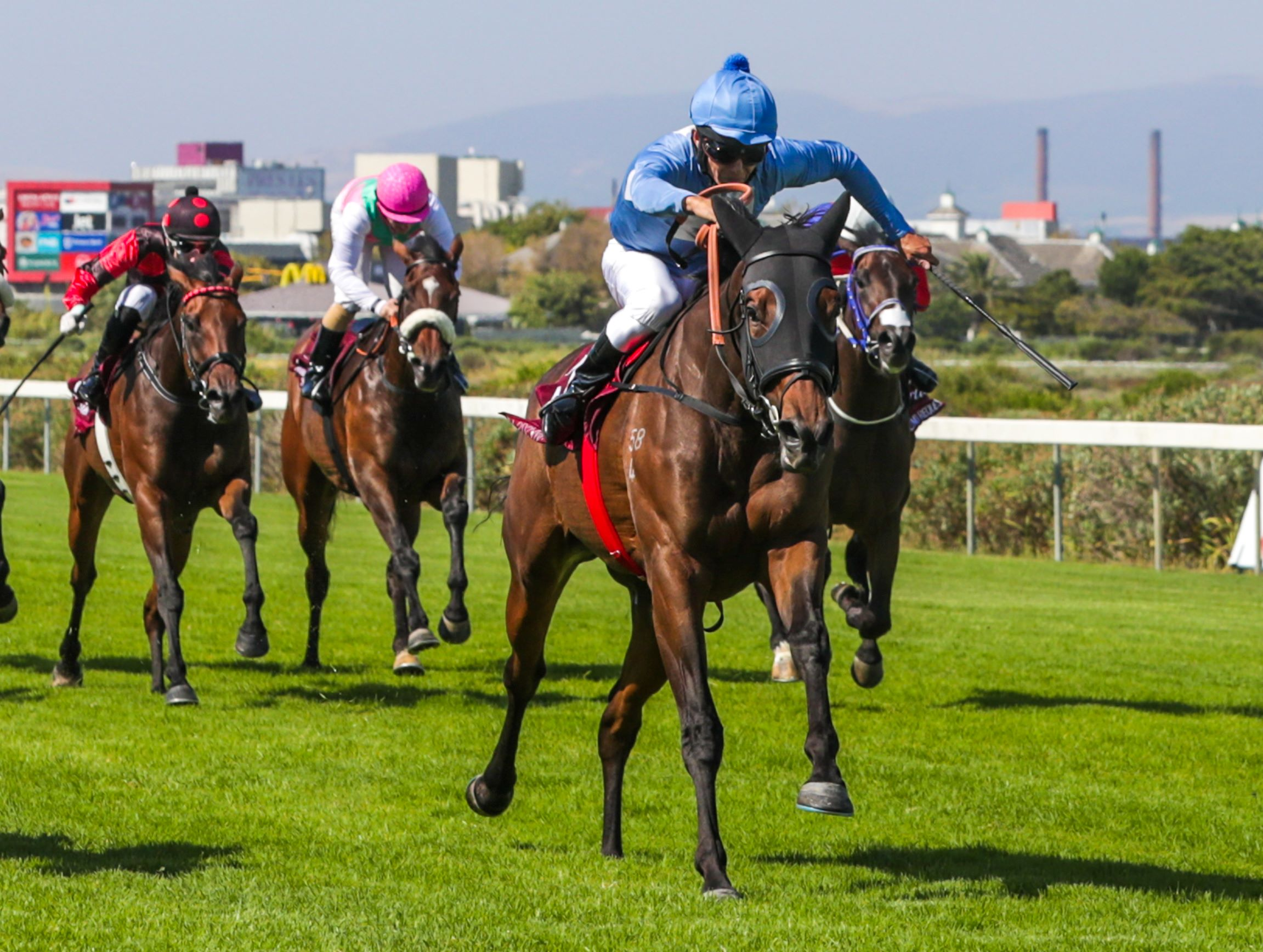 Oh Susanna wins the Group One Paddock Stakes
